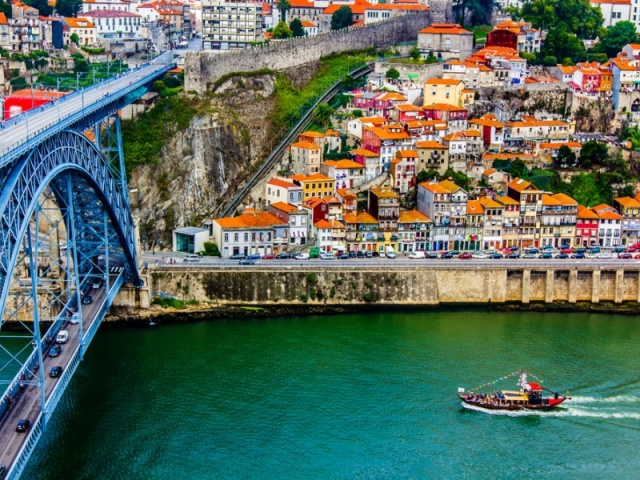Автомобильная экскурсия в город Порто
